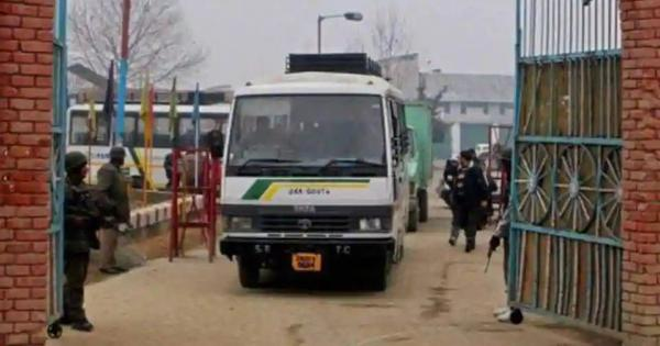 Pulwama attack: India suspends Srinagar-Muzaffarabad bus service and cross-LoC trade