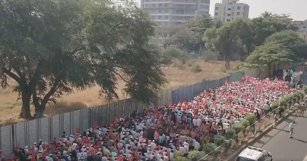 Farmers' long march to Mumbai called off after successful talks with state Cabinet ministers
