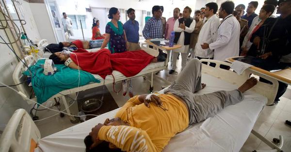 UP: Akhilesh Yadav meets bus accident survivors, says voters will give BJP 'a befitting reply'