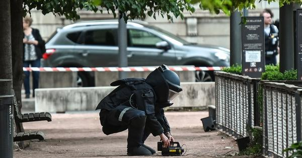 France: 13 injured in packet bomb blast in Lyon, police hunt for suspect