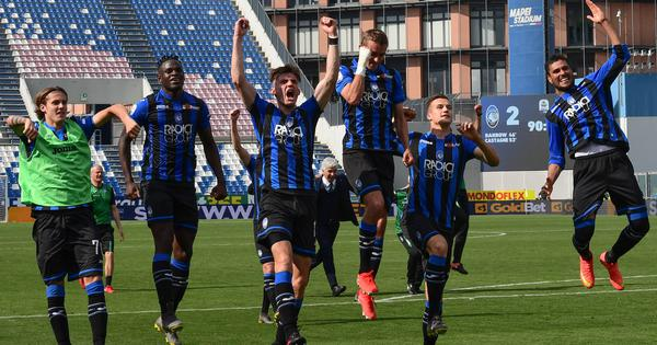 Only Italian club left in Champions League, Atalanta shoulder hopes of virus-hit Bergamo