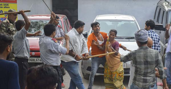 Bihar: Two men whose children died of encephalitis are among 19 booked for protesting against deaths