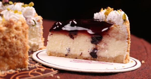 Baked Mishti Doi Cheesecake With Blueberry Compote Recipe