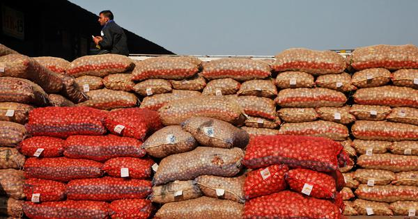 Delhi government demands supply of onions from Centre as prices rise sharply
