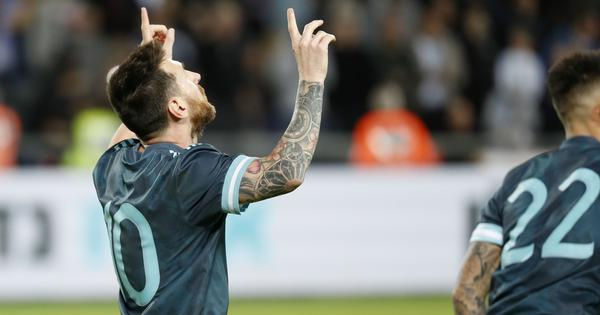 Football: Messi scores injury-time goal as Argentina draw 2-2 against Uruguay in friendly in Israel