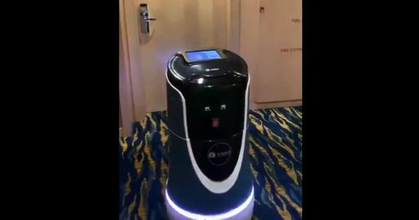 Watch: A robot brings room service to a journalist in Shanghai