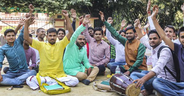 BHU protests: Students end agitation over Muslim professor's appointment, seek action in 10 days