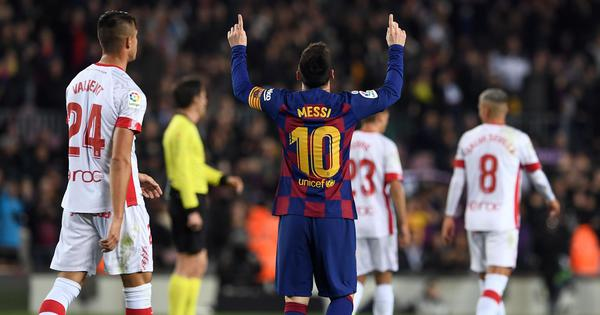 Lionel Messi sustains thigh injury, Barcelona say he should be ready for La Liga's restart