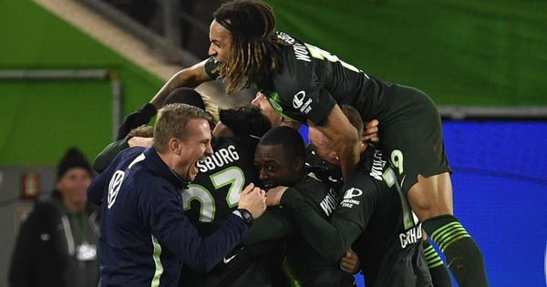 Bundesliga: Wolfsburg deny Borussia Moenchengladbach top spot after 2-1 win