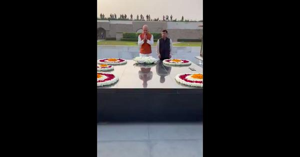 Watch: Amazon CEO Jeff Bezos visits India, gets trolled online as he visits Gandhi memorial