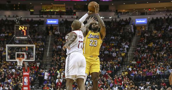 NBA wrap: James stars as Lakers go past Rockets; Bucks dominate Nets to improve league record