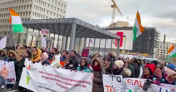 Watch: In Berlin, CAA protestors sing 'Saare Jahan Se Acha,' Chicago, Atlanta, LA see protests too