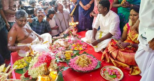 Watch: In Kerala, this Hindu couple got married inside a mosque with all rituals