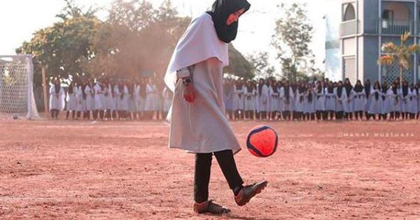 Watch this 17-year-old Kerala footballer display her freestyle skills on a male-dominated field
