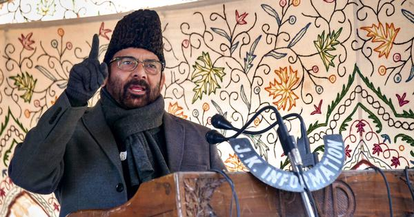 Union minister Mukhtar Abbas Naqvi begins Centre's Kashmir outreach initiative
