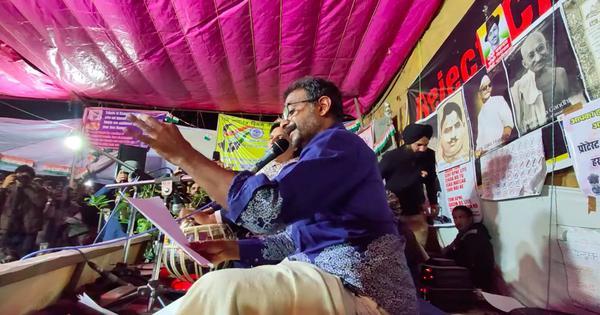 Watch: TM Krishna sings 'Hum Dekhenge' in four languages at Shaheen Bagh in Delhi
