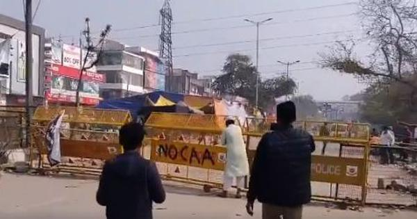 Shaheen Bagh: UP Police briefly reopen key road blocked due to protests