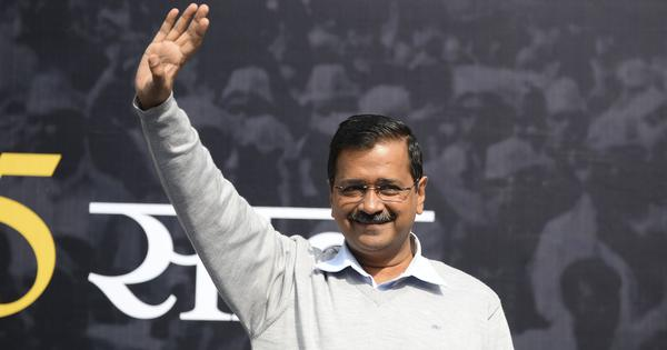 Top news: Water cannons fired as students protest outside Kejriwal's home over Delhi violence