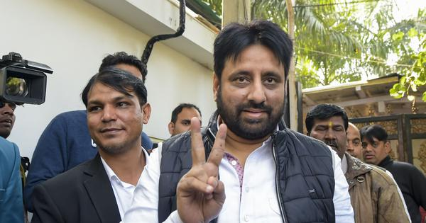 Meerut: AAP MLA Amanatullah Khan's kin allegedly baton-charged by police during victory celebration
