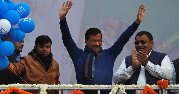 Delhi CM Arvind Kejriwal invites Narendra Modi to Sunday's swearing-in ceremony