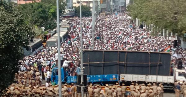 Citizenship Act protestors defy Madras HC orders, march to secretariat in Chennai