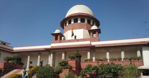 Six SC judges down with swine flu, one wears mask to court