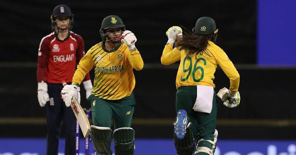 Du Preez's late flourish, Van Niekerk's all-round show helps South Africa stun England in thriller