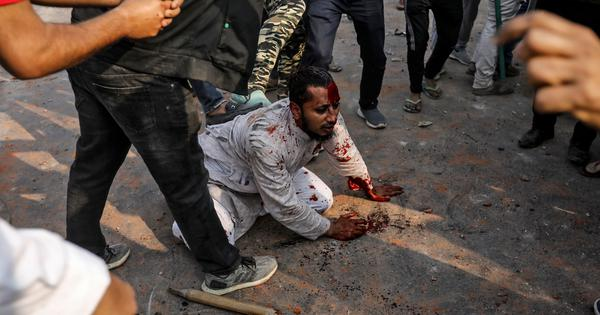 In photos: CAA supporters attack Muslims at Delhi protest, hurl stones and petrol bombs