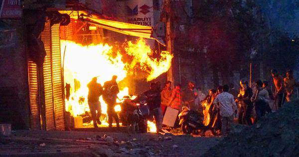 दिल्ली हिंसा : मरने वालों की संख्या 17 हुई, दंगाइयों को देखते ही गोली मारने के आदेश