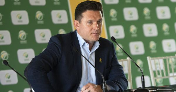 IPL 2021: South African players never felt at risk inside bio-bubble, says CSA director Graeme Smith
