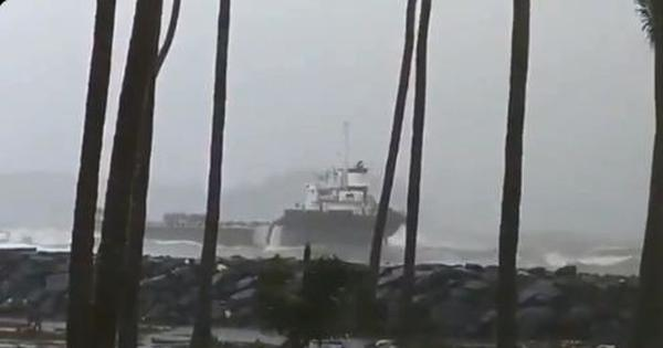Watch: Early scenes from the landfall of Cyclone Nisagra near Alibag in Maharashtra