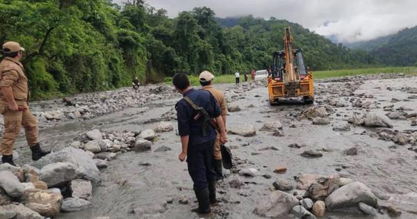 Did Bhutan really obstruct flow of water to Assam? Or was it just a misunderstanding?