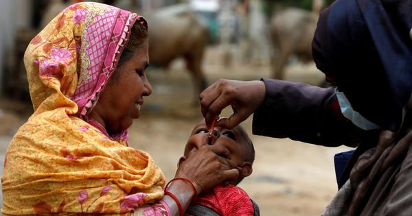As Pakistan resumes polio vaccination drive, Covid-19 crisis brings fresh challenges
