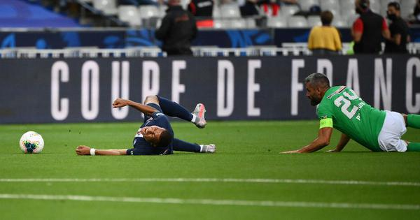 Everyone is worried: PSG's Mbappe doubtful for Champions League as tackle results in ligament damage