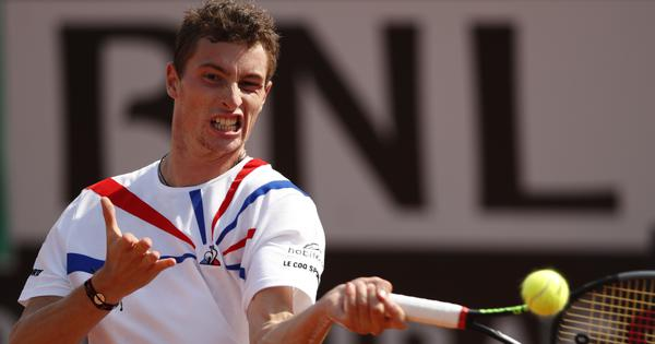 Tennis: Top seed Daniil Medvedev knocked out in first round by Ugo Humbert at Hamburg