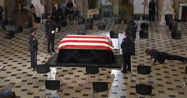 Watch: Ruth Bader Ginsburg's personal trainer does push-ups in front of her casket