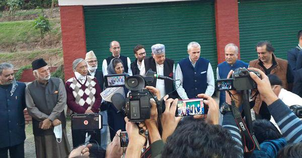 J&K: Farooq Abdullah announces tie-up with Mehbooba Mufti, 4 other parties to fight for Article 370