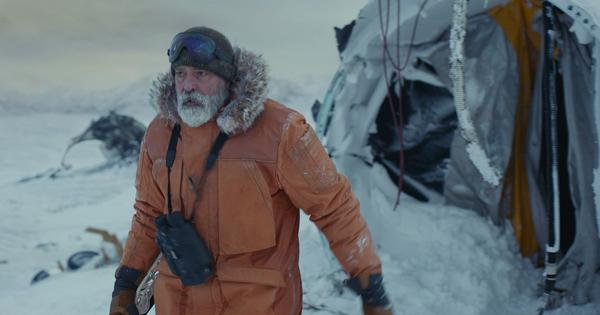 'The Midnight Sky' trailer: George Clooney directs and stars in sci-fi adventure