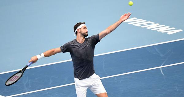 Tennis: Dimitrov beats Tsitsipas for first Top-10 win of 2020; Thiem, Medvedev advance at Vienna
