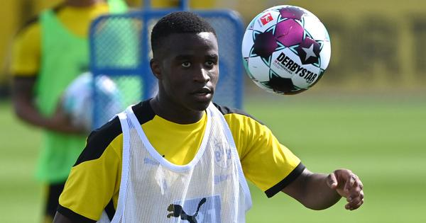 Football: Dortmund wunderkind Moukoko, 16, on verge of making Bundesliga history