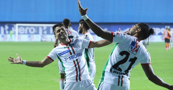 Roy Krishna, Manvir Singh on target as ATK Mohun Bagan beat East Bengal in ISL's first Kolkata derby