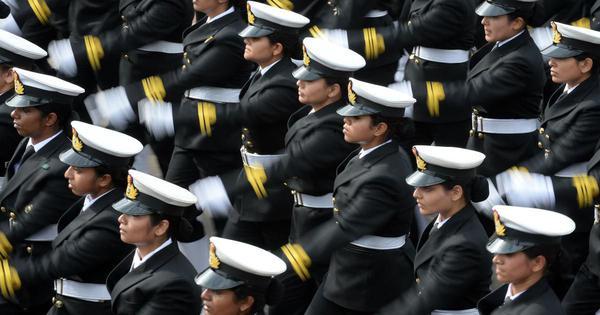 SC stays release of 10 women naval officers on plea seeking permanent commission