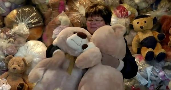 'Teddy bear mama': This woman from Hungary has collected over 20,000 teddy bears