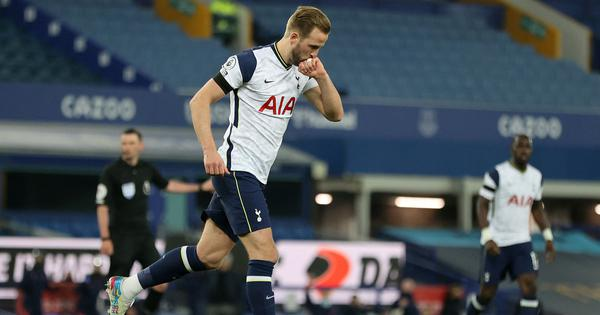 Premier League: Harry Kane, Gylfi Sigurdsson score twice as Tottenham and Everton play out 2-2 draw