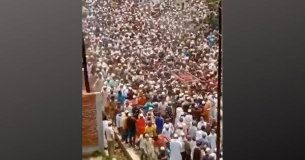 UP: Thousands attend funeral of cleric flouting Covid-19 norms, police file FIR