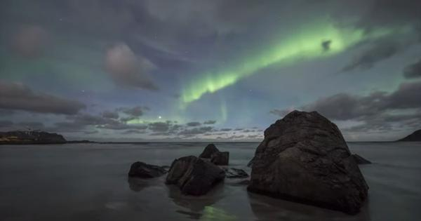 Watch: Physicists discover a mysterious new type of 'disappearing' aurora light display