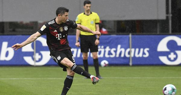Bundesliga: Bayern's Robert Lewandowski equals Gerd Mueller's record with 40th goal this season