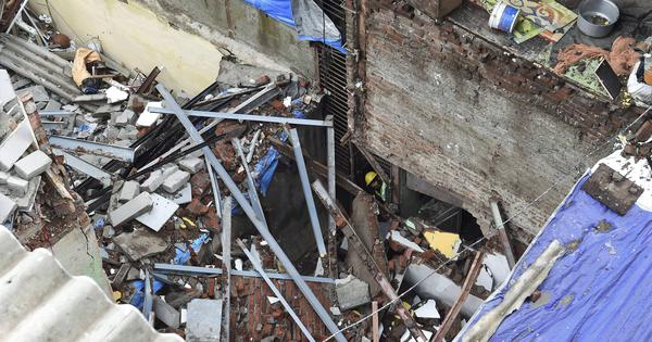 Mumbai: 1 dead, 5 injured after wall collapses on a building in Bandra