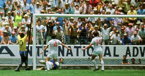 Pause, rewind, play: The scarcely believable Gordon Banks save from Pele's header at 1970 World Cup