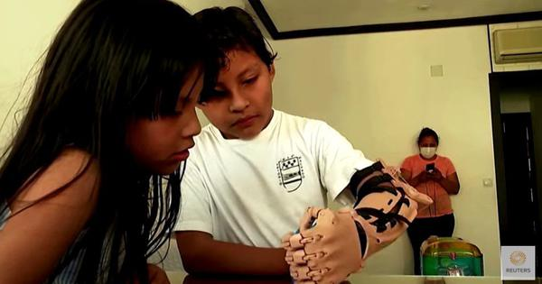 Watch: 3-D printing technology can create prosthetic arms, thanks to Spanish inventor